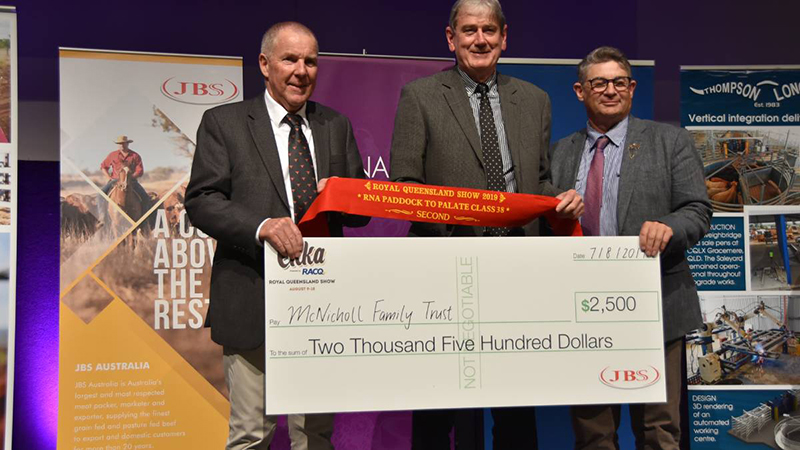 McNicholl QCL Steve Groom, JBS, with Class 38 runner up Paul McNicholl, McNicholl Family Trust and Gary Noller. Image: Queensland Country Life