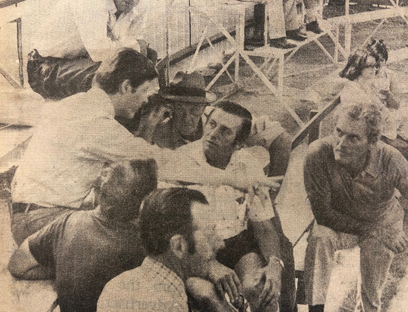 American judge Dr Gary L. Minish speaking with Angus breeders at the 2nd Angus Beef Classic (Image from the Wagga Advertiser NSW 17 March 1978)