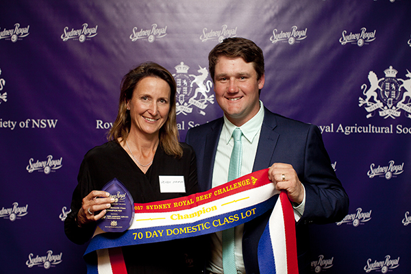 RAS Domestic Team Champion Wendy Mayne (Texas Angus) Ben Hiscox (Bob Jamieson Agencies)