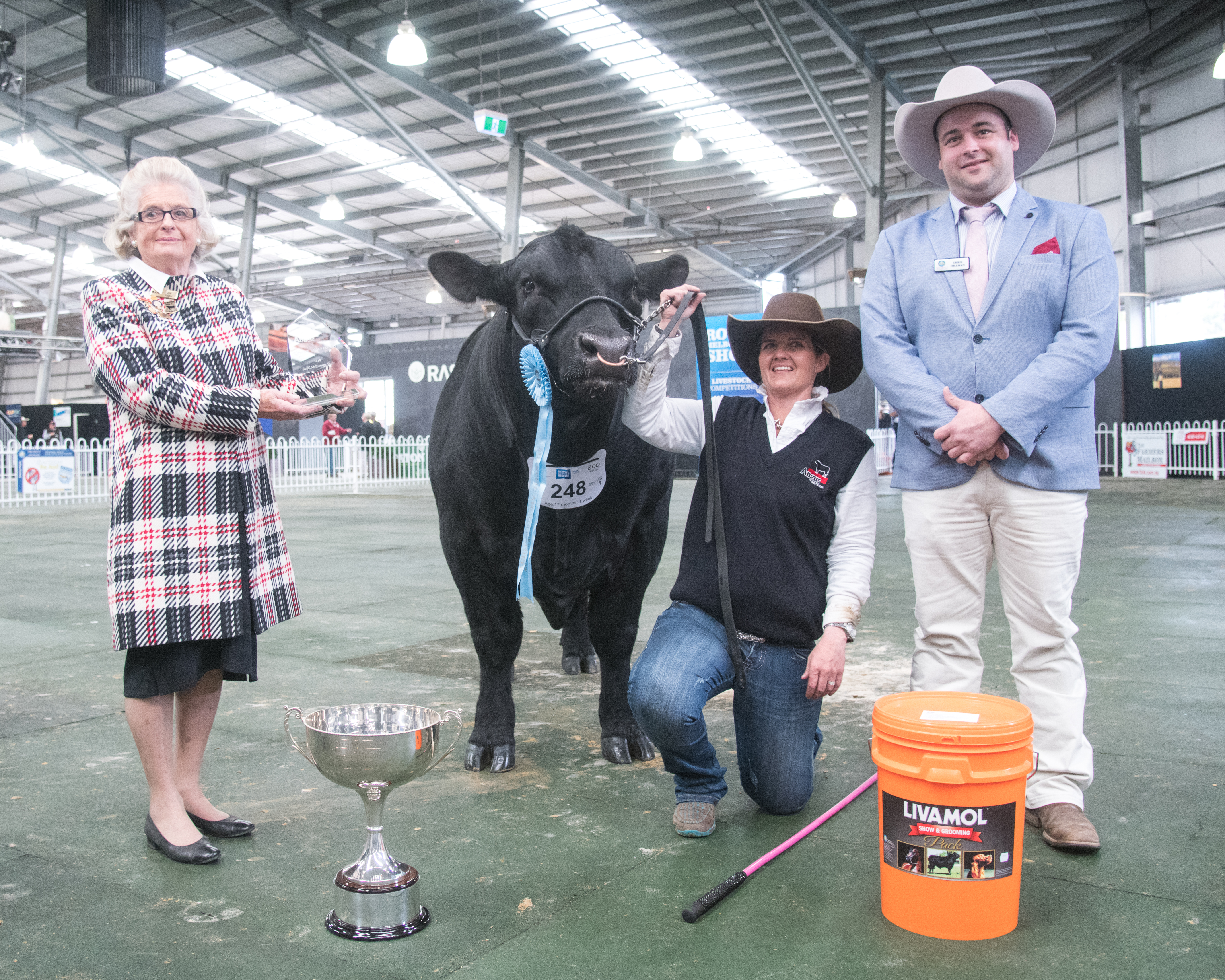 Royal Melbourne 2018 Supreme Champion Junior Bull and Supreme beef exhibit