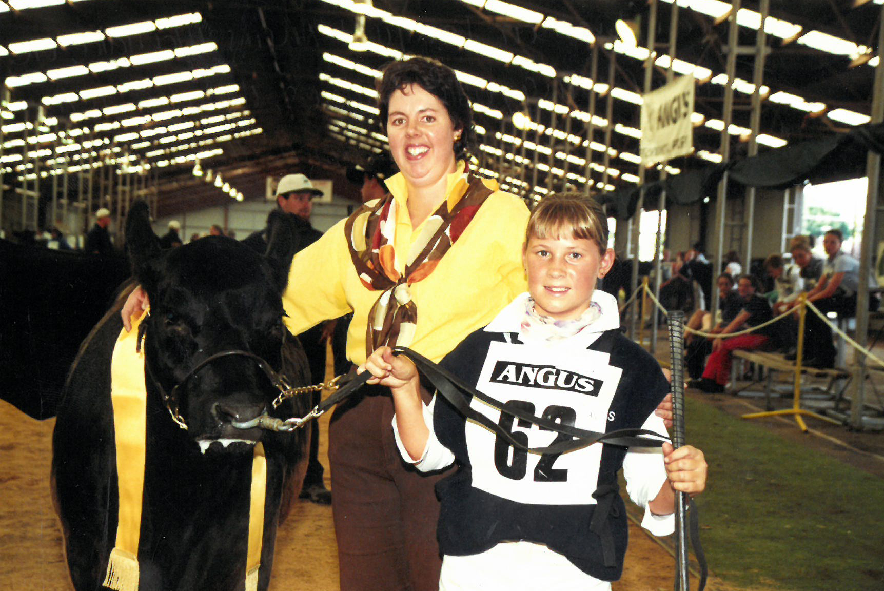 Noeleen Branson with Trinity Edwards (nee Golding) at the 2001 Angus Youth Roundup in Hamilton, VIC