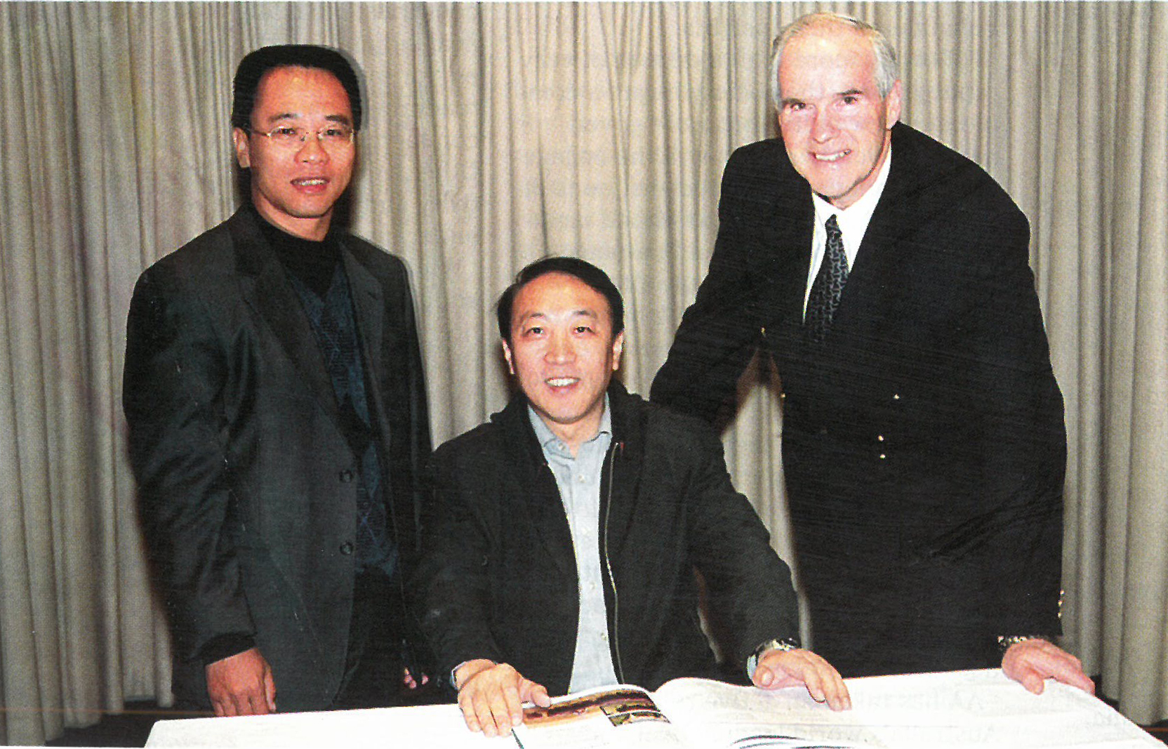 Angus Australia CEO Graham Truscott discussing export with members of the Chinese Government Delegation in September 2007, Angus Australian Bulletin 2008