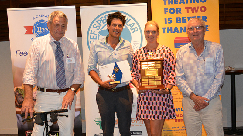 Murray Schaefer, National Stockyard Systems, with the overall grand champion pen of steer exhibitors James and Georgie Knight, RG. Allen and Sons, Mortlake, Vic, and Teys Australia executive director livestock Geoff Teys.  Image courtesy of The Land